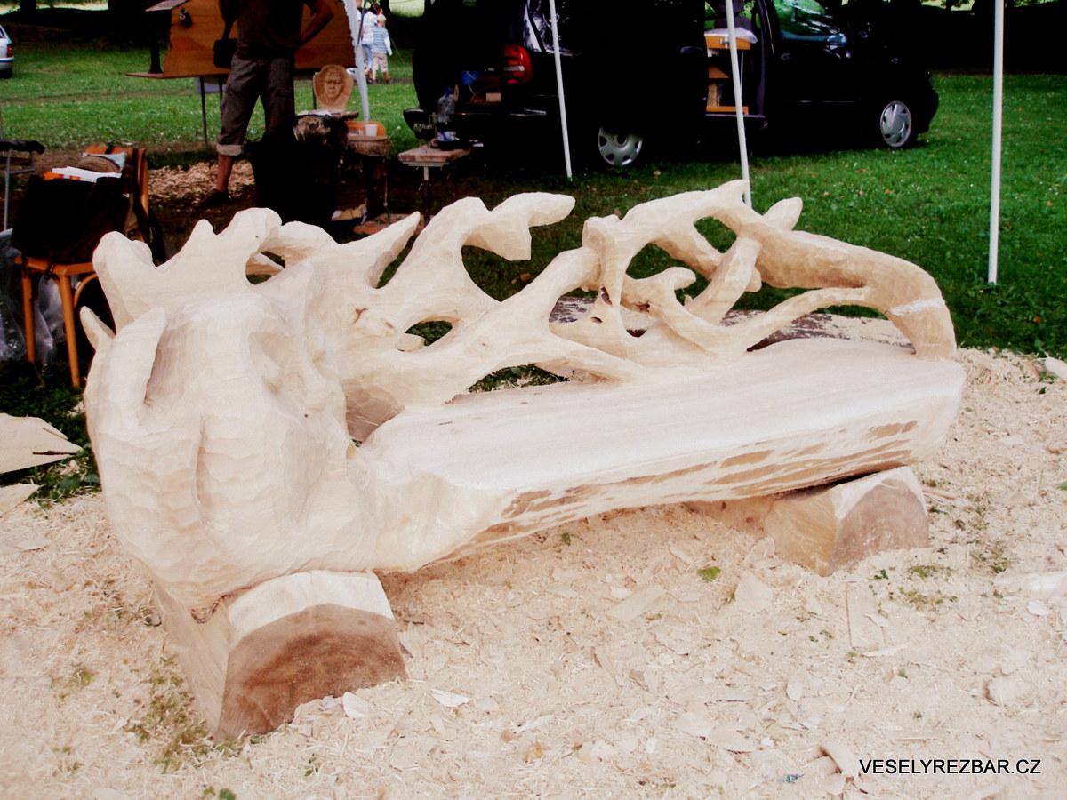 Lavička - dřevěná socha - Jiří Veselý řezbář