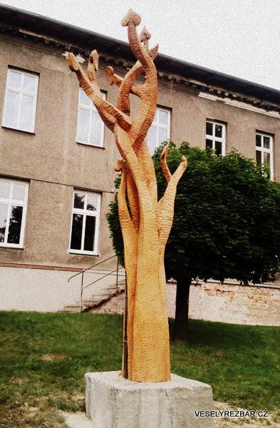 Socha Lípa svobody - Jirka Veselý Řezbář